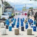 En Camión accidentado, Policía y Ejercito encuentran 300 galones para el procesamiento de alcaloides .
