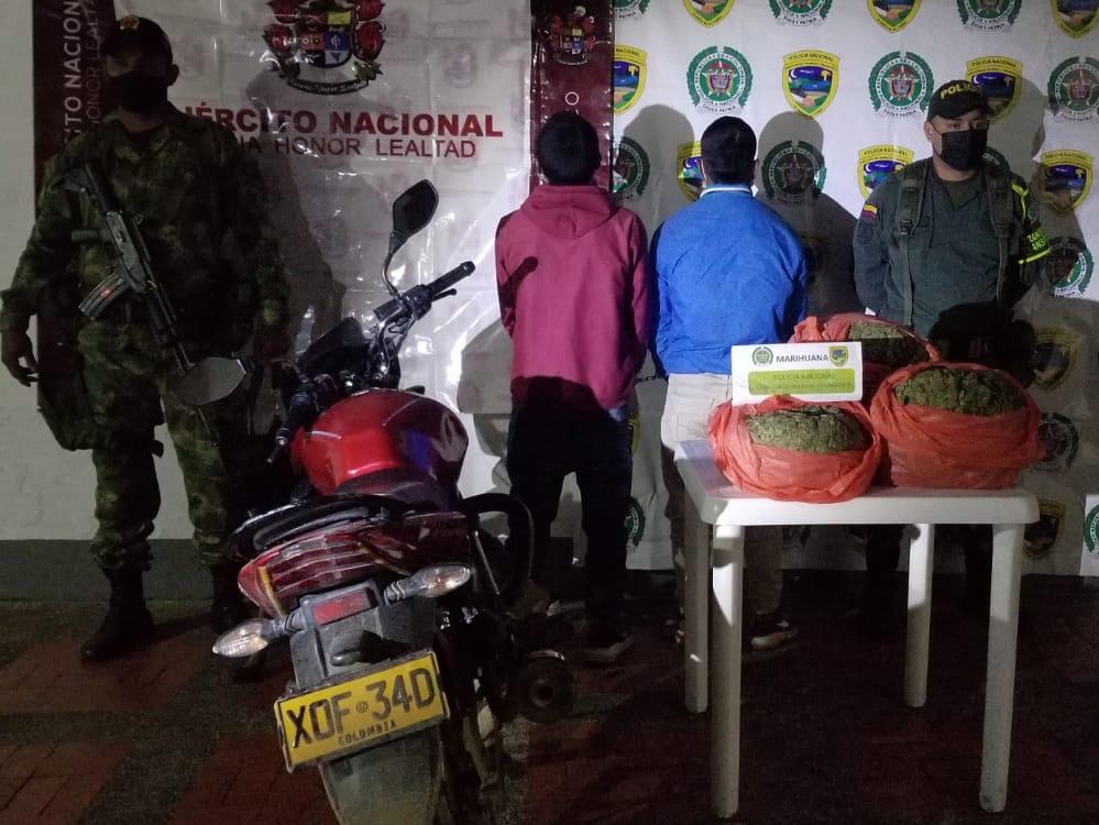 Transportaban 8 kilos de marihuana en una motocicleta. - Noticias de Colombia