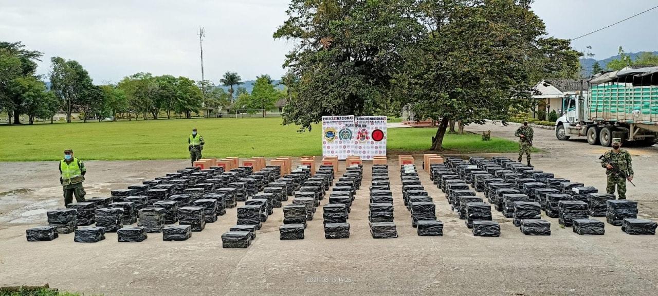 Madera y cigarrillos incautados en operativos del ejército y la policía en el Huila. - Noticias de Colombia